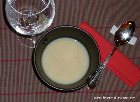 Potage de chou blanc lardé